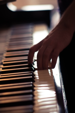 Come and see https://ay8ne.wordpress.com/2015/04/05/piano-tuning-with-jeysen-c/ post about piano tuning